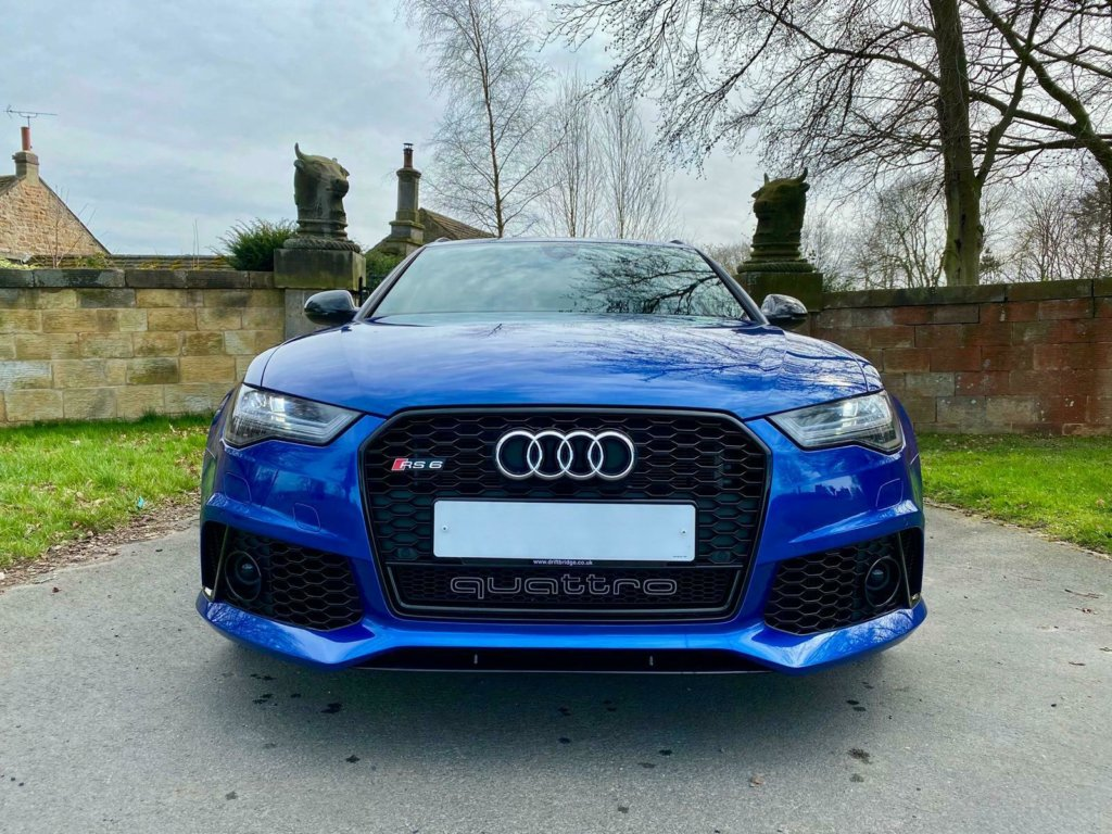 Blue Audi RS6 ready for gearbox tuning