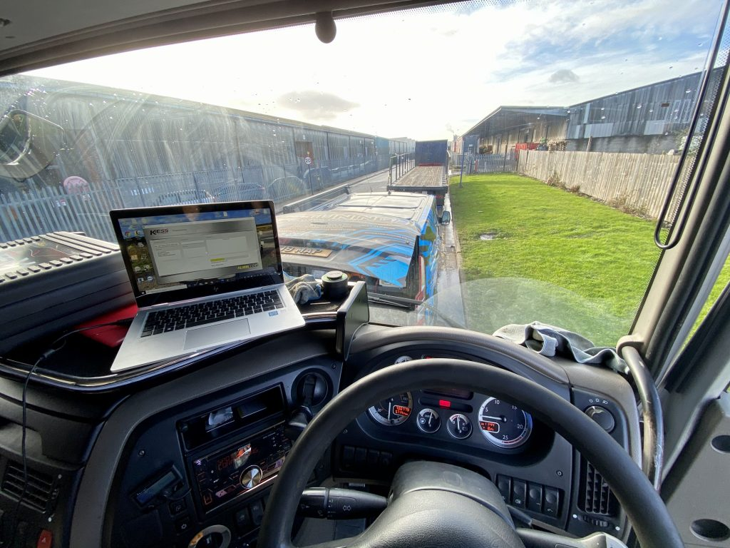 View of top-tuning at work from inside lorry